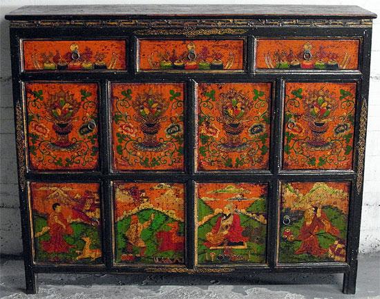 Exceptionnel Tibetan Cabinet